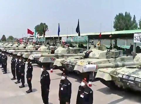 边境陈兵几十万大军,头号对手却获大批坦克,司令警告印度勿玩火