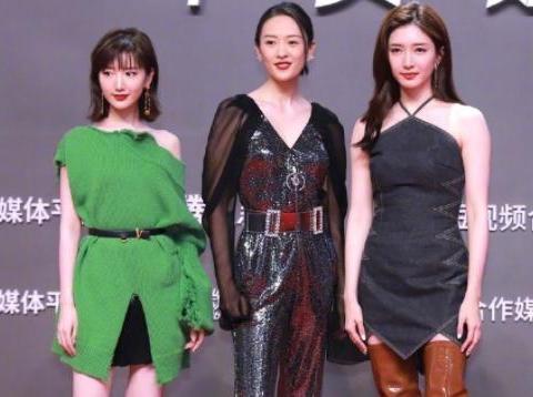 姐姐越好看红毯造型就越怪:江疏影过膝靴童瑶黑衫,她穿绿毛衣?