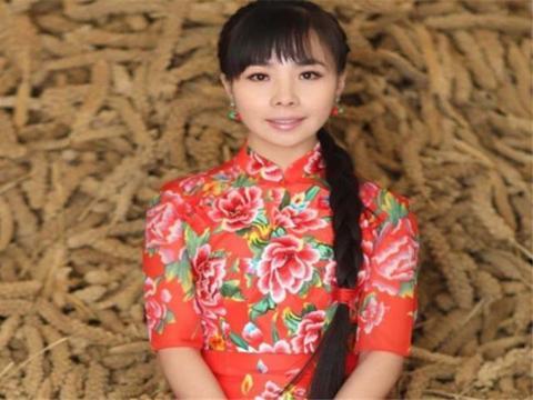《星光大道》王二妮,成名后选择回乡,如今变化大到认不出!