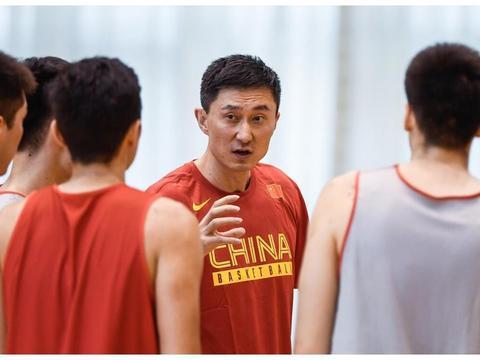 李梦给杜锋启发!中国男篮冲击奥运会希望重燃,46分先生扮奇兵