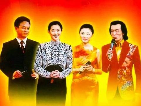 搭档朱军主持5届春晚,33岁离开央视去拍戏,如今还在十八线徘徊