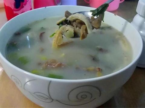 辅料简单的羊杂汤,加入一食材味道清甜,还是自己做好吃