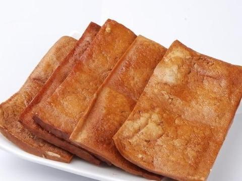 街边油炸豆腐臭,尖椒香干五花肉