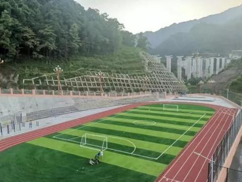 昭通盐津:绿茵场上建设忙 点燃足球新希望
