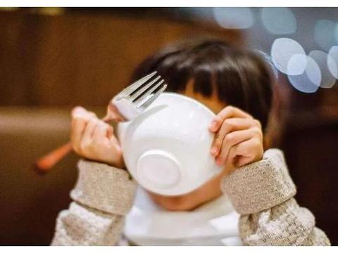 天热最便宜的补钙辅食就是它,两块钱搞定全家人早餐,常吃身体好