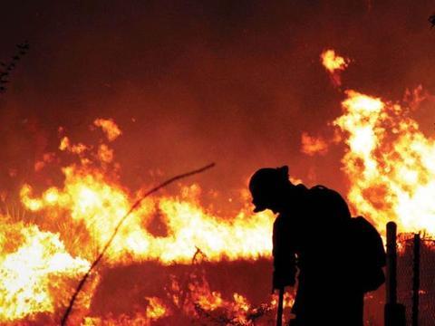 加州祸不单行,疫情肆虐之际,野火又在全州延烧