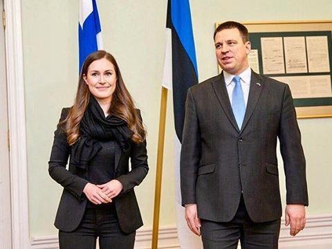 铁娘子比拼!34岁芬兰最美女总理遇默克尔,惊艳得连马克龙都偷瞄
