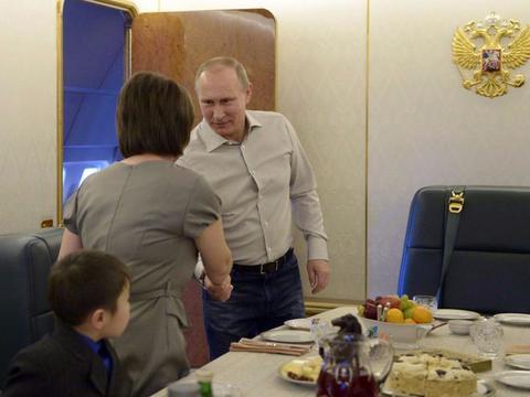俄罗斯总统普京的专机有多牛?造价5亿美元,还有镶金内饰