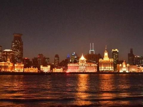 """我国""""最不差钱""""的城市,人均收入近10万,远超北上广,不是重庆"""