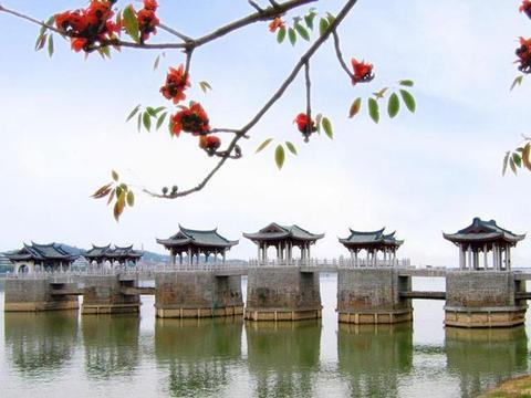 广东一座千年古桥,能拆能合犹如机器,与赵州桥齐名却无人问津