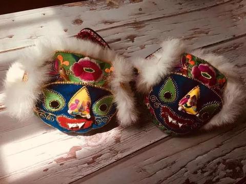 彝族虎头帽、虎头鞋、虎头枕,来自母亲指尖的爱!