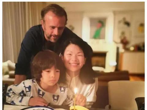 """中国""""最丑""""超模吕燕,逆袭嫁入法国豪门,7岁混血儿子颜值超高"""
