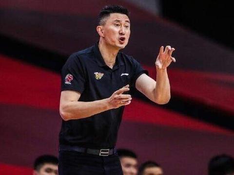 CBA一天三消息!山东队教练组被爆将要重组,广东有望招募悍将