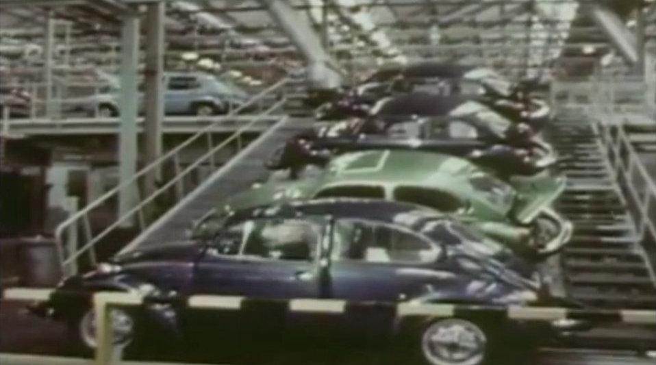 五十多年前,大众生产甲壳虫一代汽车,当时生产线都自动化了!
