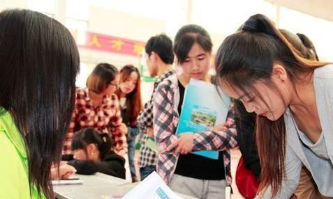 三本考生学历不占优势,可以选这3个专业,毕业后就业率高