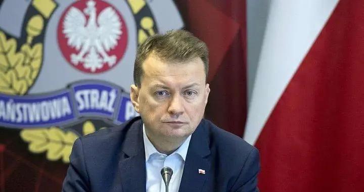大批美军蜂拥而至!波兰国防部长却喜笑颜开,民众痛斥:这是卖国