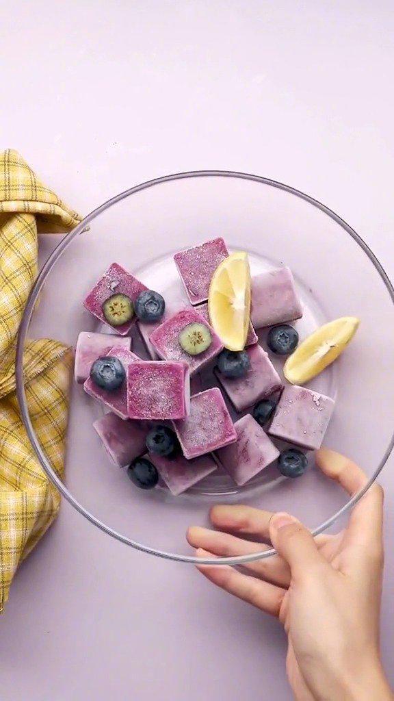 芝士蓝莓冰比雪糕更好吃、更好做的小冰品……