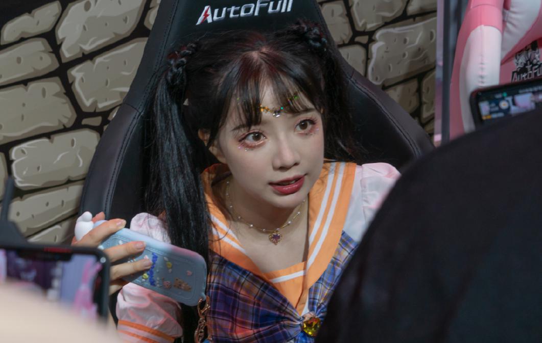 汪东城带王奕萌玩了1天,为什么明星都喜欢萝莉款网红?