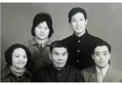 """77岁""""白骨精""""杨春霞,一生不谈西游记,至死不原谅导演杨洁"""