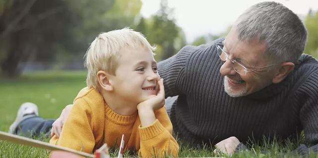 """傅首尔""""奇葩说""""里谈育儿,不知如何陪伴孩子成长?可从3点开始"""