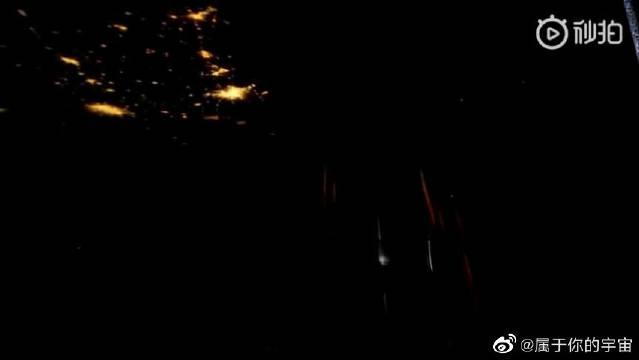 从发现号航天飞机上看到的不一样的地球夜景……