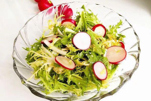 精选美食:豉香芹菜土豆条、芥蓝炒冬瓜、凉拌苦菊、五彩大拉皮