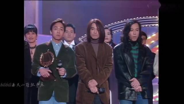 群星合唱《光辉岁月》,张学友:那年18,学校晚会,站如喽罗!