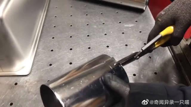 一个崭新的不锈钢水槽,看这哥们如何改造成烤炉,这效果无敌了