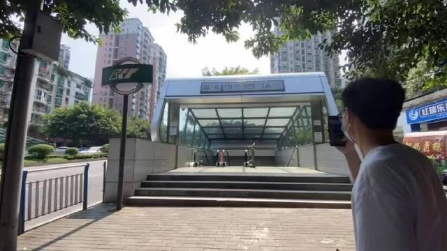 中国最深地铁站「红土地」站,也是6号线和10号线换乘站……