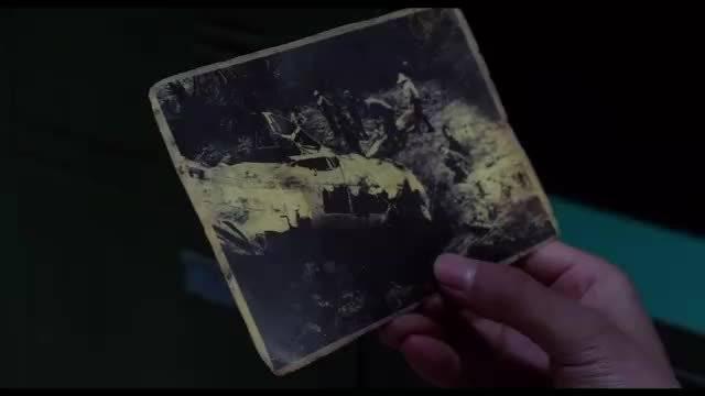 在杜鸣秋的储物柜里,吴邪发现了新线索!却遭到了众人的毒打!