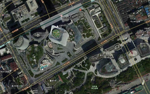上海北外滩白玉兰广场:不仅有超高层建筑效果,繁华也超过陆家嘴