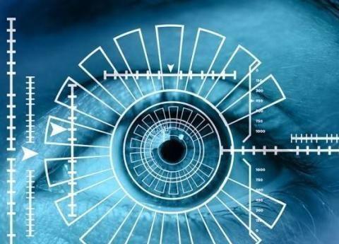 声纹识别、电子后视镜、挡风玻璃……汽车仍然可以这样播放