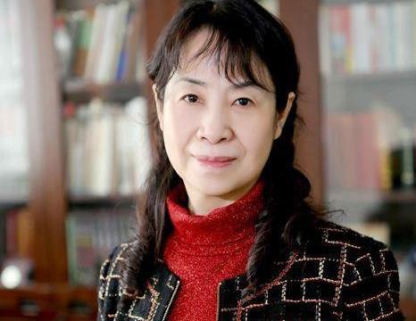 女书协主席杨杰的书法,洒脱飘逸,网友:用毛笔写出了硬笔的感觉