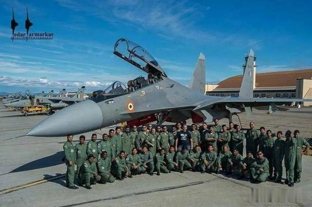 印度空军并非井底之蛙,为何大肆吹捧阵风战机?莫迪才是始作俑者