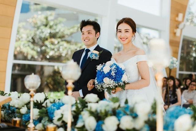 TVB花旦晒婚纱照庆结婚一周年 或退出幕前转行做律师