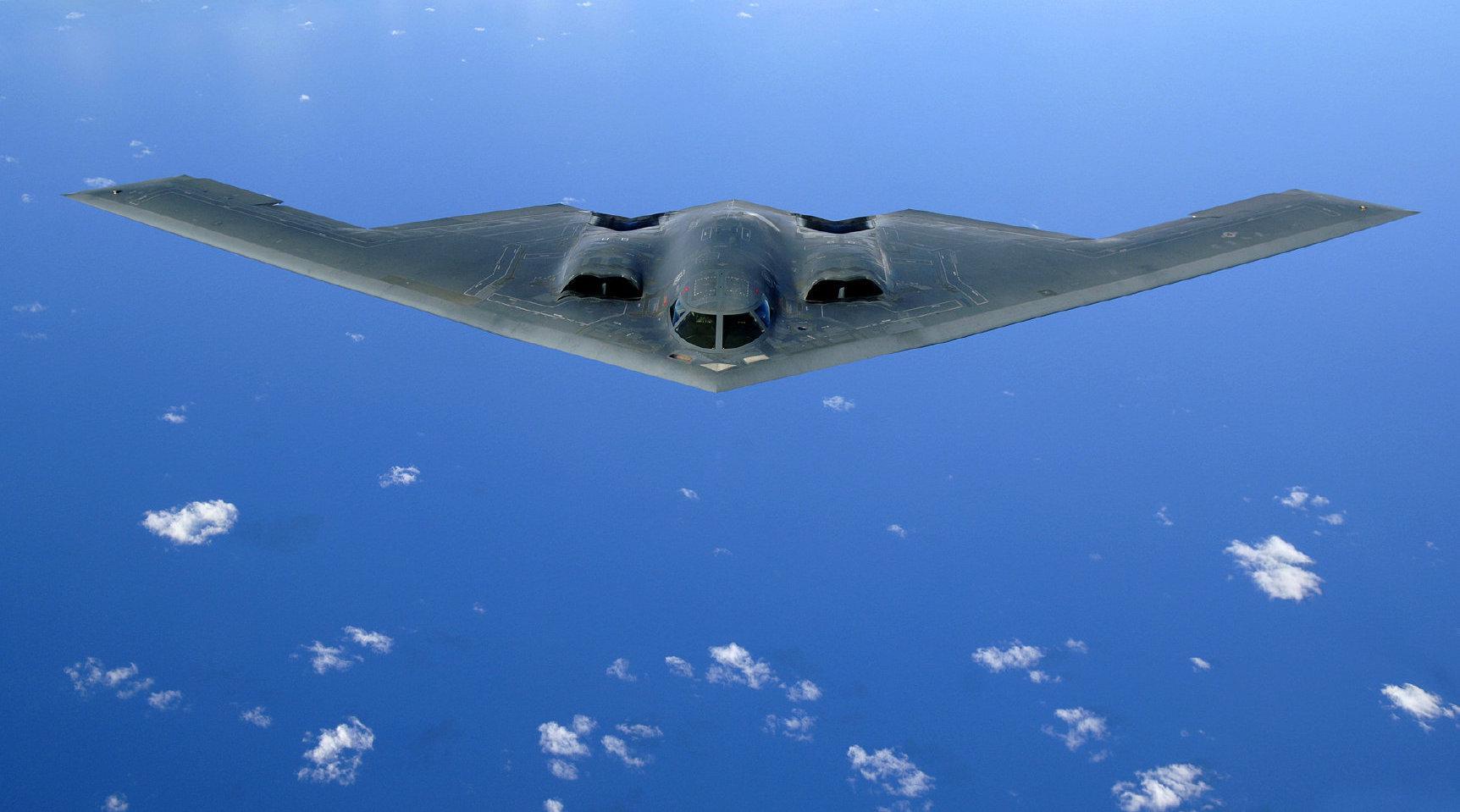世界最强大的轰炸机,没有之一!张召忠:仅一块板能买上百辆奥迪
