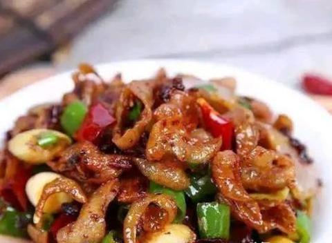 美食看点:香辣番茄鱼片、辣子肥肠、锅仔牛肉、腐乳蒸鸡
