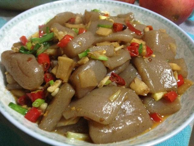 美食推荐:鱼香蒸豆腐、羊杂汤、烧魔芋、砂锅豆腐酿