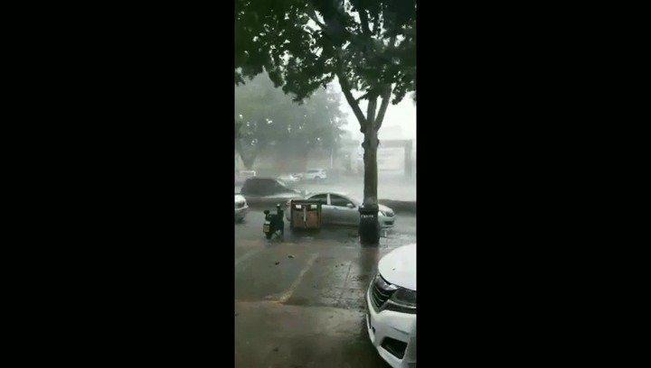 昨天能够在蓬莱暴雨中行走的人都是开了挂的!