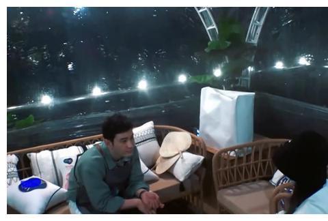 《中餐厅4》赵丽颖焦虑流泪,深夜跟黄晓明谈心,哭诉走不出来