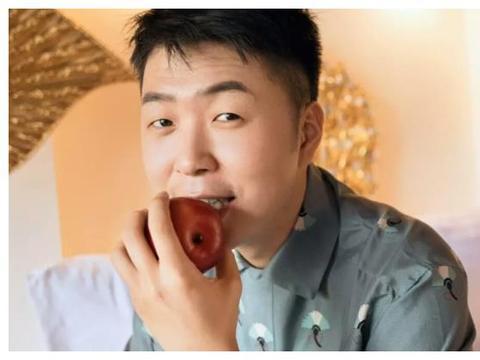 杜海涛家庭背景太强?老爸是江南首富,沈梦辰冲着他家室恋爱的?