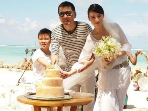 他是知名导演,成名后抛弃蒋勤勤,分手后结婚今47岁已离开人世!
