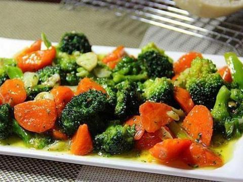 美食推荐:糖醋鹌鹑蛋,萝卜炒西兰花,油豆腐炒青椒,冬笋竹笙汤