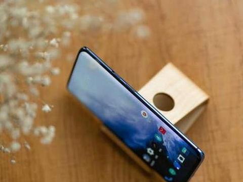 出乎意料的手机品牌,产品相当出色,相当于一匹黑马杀出重围