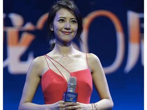 高圆圆杨颖同框比美,即使身高年龄不占优势,但她依旧赢了