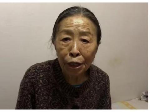丑娘情节重现?张少华83岁还要为儿还债,病重到瘦骨嶙峋自己输液