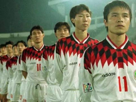 1997年足球文章:范志毅+张恩华+马明宇等入选1996年甲A最佳阵容