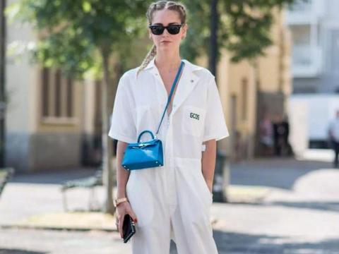 连体裤的花样竟然这么多?时尚博主拿它凹造型,这么穿显高又显型