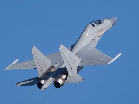 难怪优秀?歼-15和歼-16电子战机造价真高,甚至超过了歼-20造价