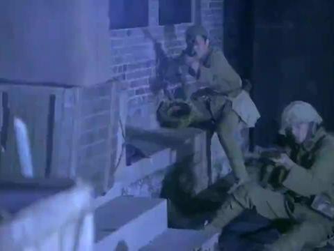 八路突击队被鬼子围剿,卫国镇定自如指挥作战,气势磅礴反歼鬼子